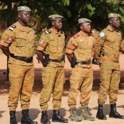 Pourquoi en Afrique les gendarmes accueillent-ils chaleureusement...