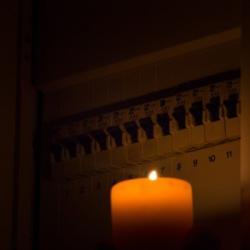 Pourquoi 33000 foyers manquent-ils d'électricité en France ?