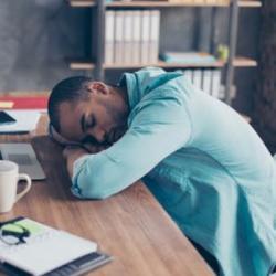 Pourquoi faire une sieste peut t'envoyer au chômage ?